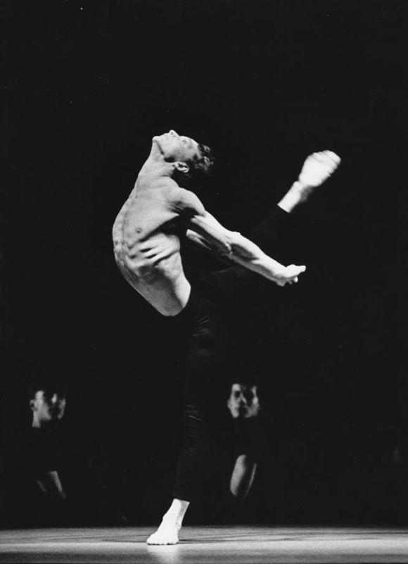 Cours de ballet intermédiaire avancé avec Yvan Michaud