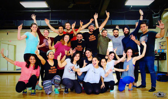 Burn Bhangra Fitness avec Harshjot et Prateek