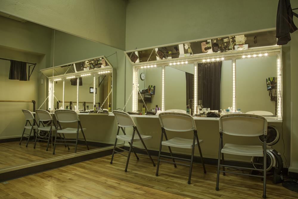 06-studio-theatre