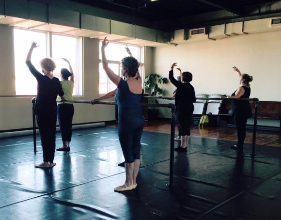 Éveil au ballet créé par Thérèse Cadrin-Petit / Gym sur table